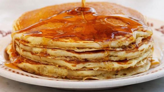 Chef Mark Gold reviews Buttermilk hotcakes at