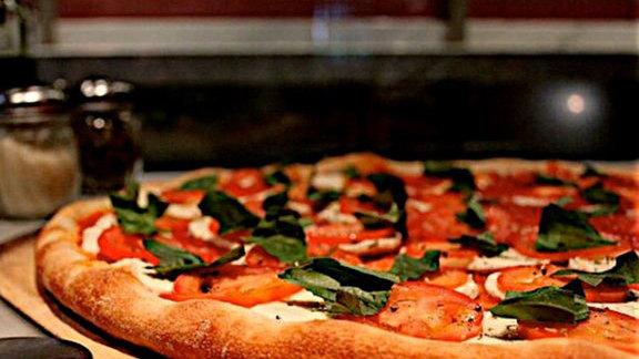 A slice at Joe's Pizza
