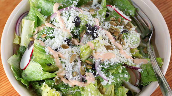 Chef Marianne Sundquist reviews Ensalada de Big Star at Big Star