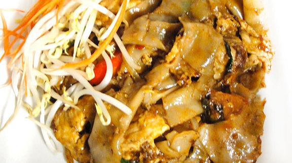 Drunken noodles at Kinara Thai Bistro