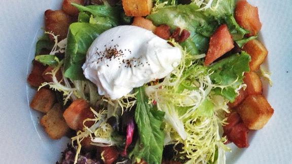 Salade Lyonnaise at Le Bouchon