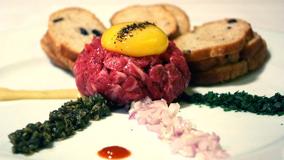 Steak tartare at Bix