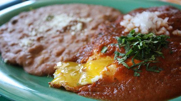 Chef Jessica Boncutter reviews Huevos rancheros at