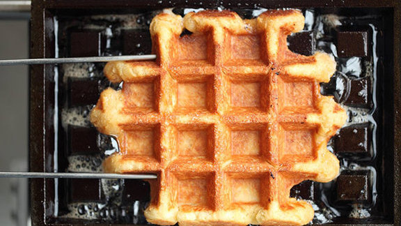 Chef Richie Nakano reviews Belgian-style wafel at
