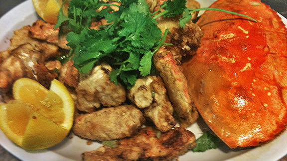 Pepper & salt roasted fresh crab at Yuet Lee