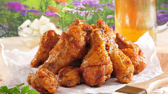 Chef Joshua Breen reviews Fried chicken at
