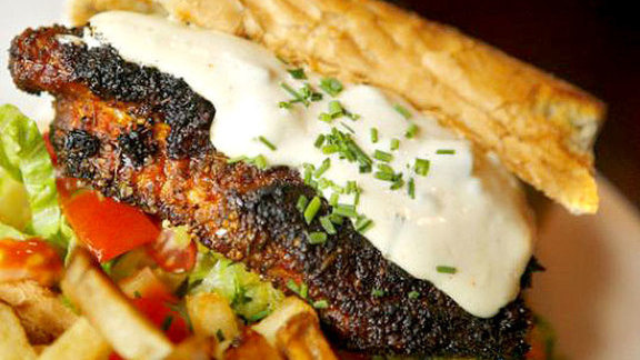 Chef Barry Maiden reviews Blackened catfish po' boy at