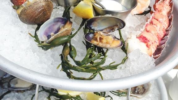 Chef Tyrone  Welchinski reviews Fruits De Mer at Bellecour