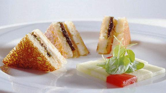 Chef Bill Telepan reviews Smoked-salmon croque monsieur at
