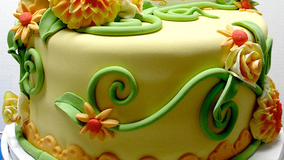 Specialty cakes at Highland Bakery