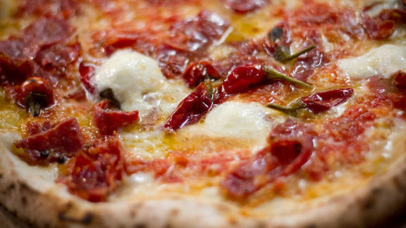 Chef Whitney Otawka reviews Diavola pizza at