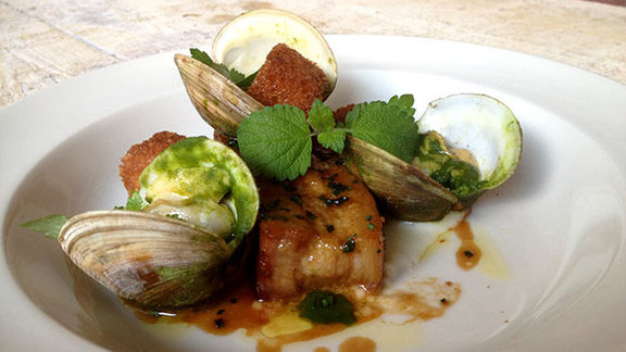 Chef Kevin Rathbun reviews Pork belly & local clams at JCT Kitchen & Bar