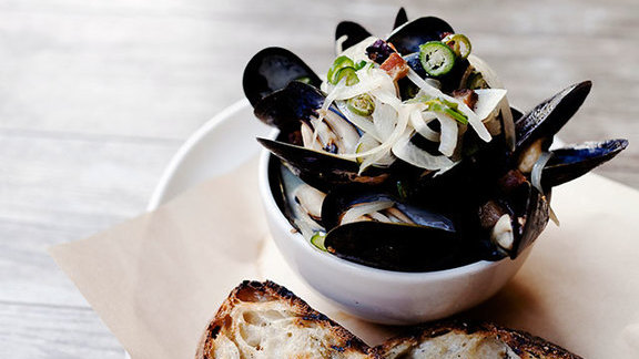 "Chef Linton Hopkins reviews ""Angry Mussels"" at JCT Kitchen & Bar"