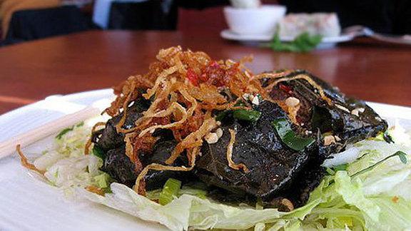 Chef Peter Dale reviews Lá nho thịt bò at