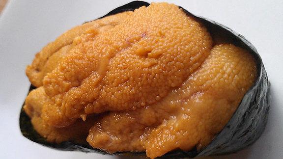 Chef Bryan Sikora reviews Sea urchin at