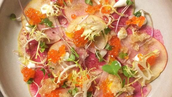 Chef Josh Niernberg reviews Domestic caviar at Bin 707 Foodbar