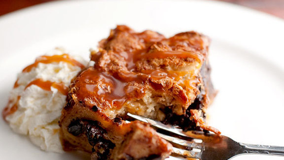 Chef Molly Moon reviews Chocolate croissant toffee bread pudding at
