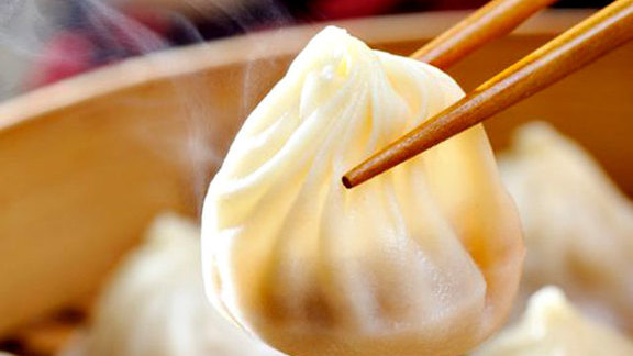 Soup dumplings at Din Tai Fung Dumpling House 鼎泰豐