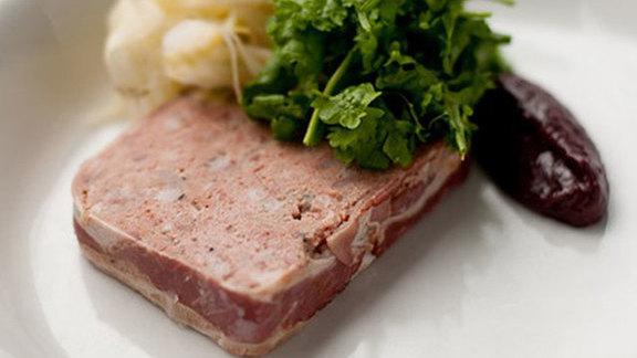 Chef Dana Tough reviews Farmer's Lunch at
