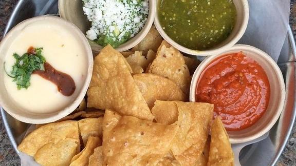 Antojitos with salsas y guacamole at Bajo Sexto