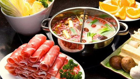 Chef Manabu Horiuchi reviews Hot pot at