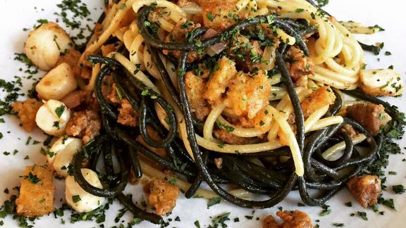 Chef Ian Madan reviews Pasta at