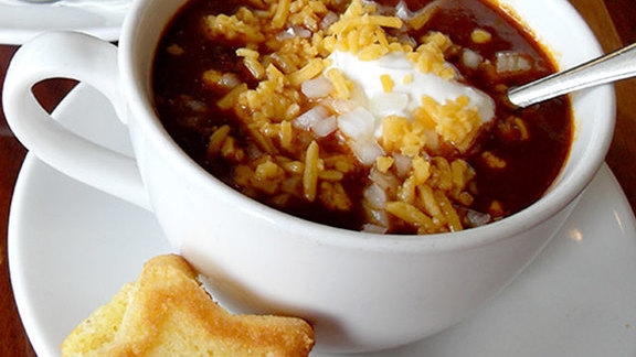 Chef Robert Wiedmaier reviews Texas chili con carne at District Commons