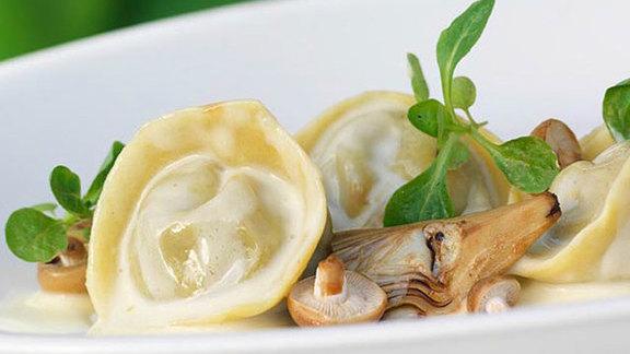 Chef Billy Klein reviews Gastronauts menu at