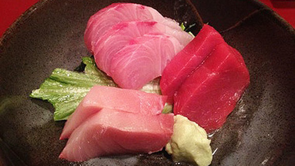 Chef Ben Bailly reviews Sashimi at