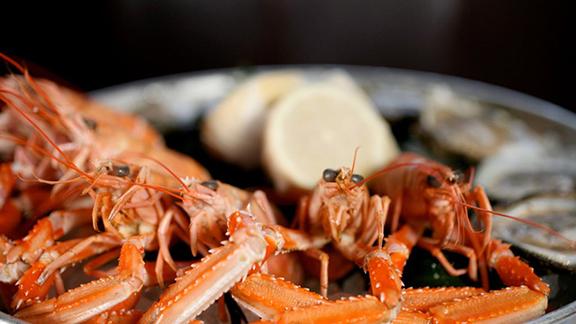 Chef Pascal Aussignac reviews Plateau de fruits de mer at