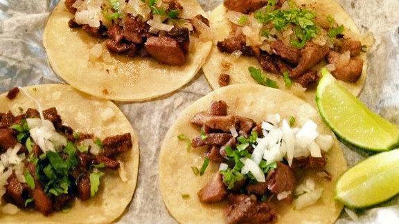 Tacos al pastor at Loco Pez