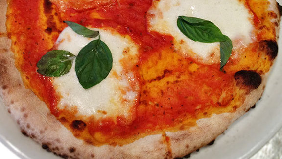 Margherita pizza at Osteria