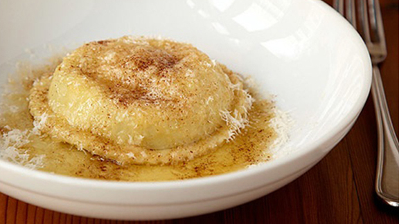 Chef Jared Van Camp reviews Raviolo at The Bristol