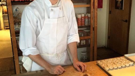 Chef Edward Kim reviews Dumplings at Mott Street