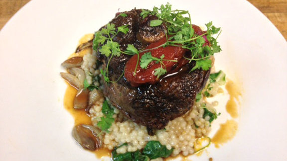 Chef Beni Velázquez reviews Lamb osso bucco at Vintner Grill