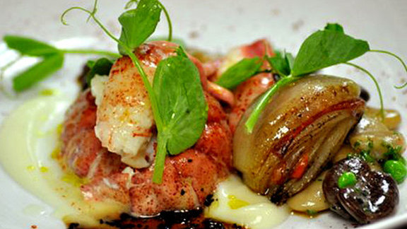 Chef Katherine Humphus reviews Smoked maine lobster at George's At The Cove