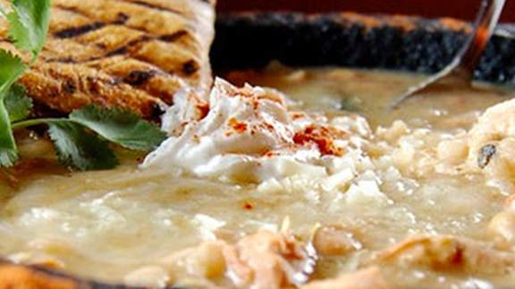 Chef Jamey Fader reviews Made to order clam chowder at