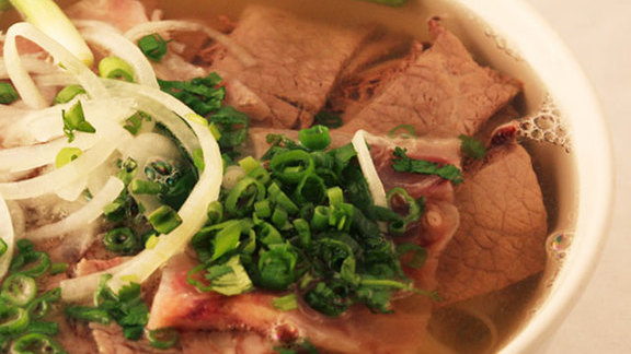 Chef Matt Selby reviews Phở soup combination at
