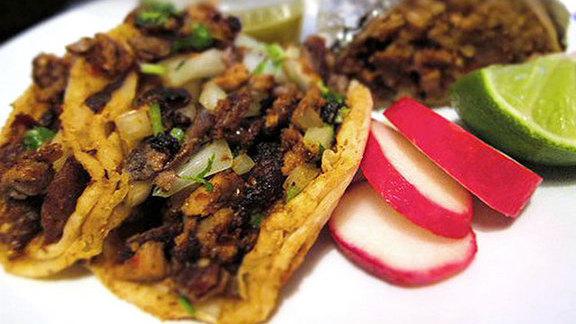 Al pastor tacos & El Chato at El Chato Taco Truck