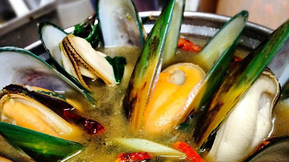 Green curry mussels at Jitlada Thai Restaurant