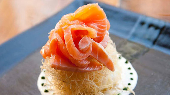 Chef Sarah Rich reviews Marinated salmon, poached egg, & crème fraîche at