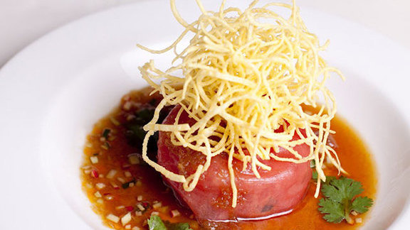 Chef Joanne Chang reviews Tuna tartare w/ crispy wontons at