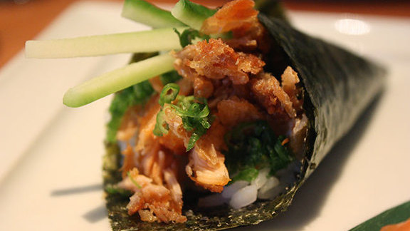 Salmon skin hand roll at Makawao Town