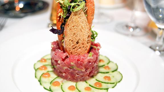 Chef Michael Lomonaco reviews Yellowfin tuna tartare at Gotham Bar and Grill