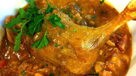 Chef Nick Mastrascusa reviews Cassoulet at