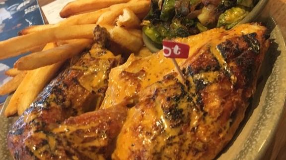 Chef Eddie Lakin reviews Chicken and sides  at Miradoro Restaurant