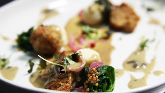 Chef Michael Simmons reviews Tasting menu at Schwa
