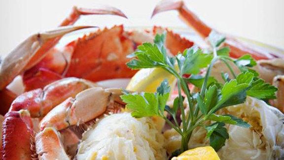 Chef Joseph Manzare reviews Dungeness crab at