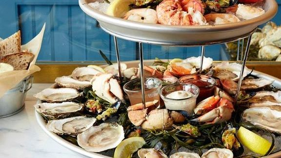 Oysters, prawns and lobsters at The Hourly