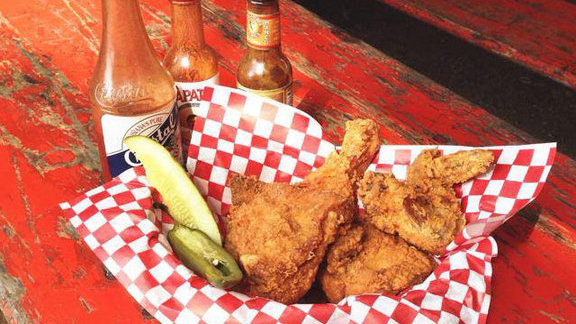 Chef Rene Ortiz reviews Fried chicken at Lucy's Fried Chicken